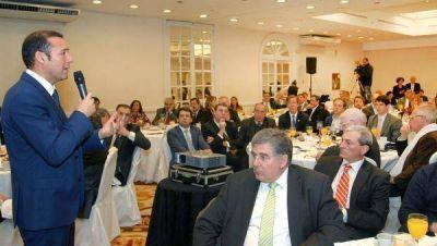 Gutiérrez expondrá el plan neuquino para el petróleo ante empresarios