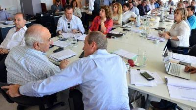 Río Negro: la oposición critica pero no frena el Presupuesto 2017