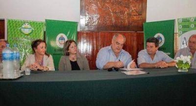 Colombi inauguró obras viales y firmó convenios