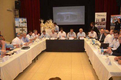 Frigoríficos, turismo y energías renovables, los principales temas de la reunión del Foro de Intendentes