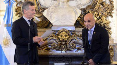 Arribas fue designado oficialmente en la AFI con un contundente espaldarazo de Macri