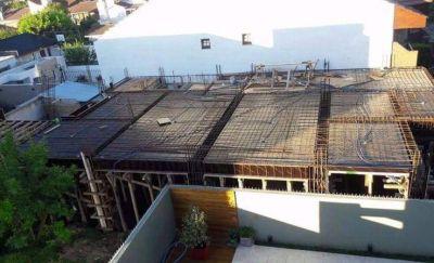 """""""Petit edificio"""" del líder de la Uocra provoca malestar vecinal en Los Troncos"""
