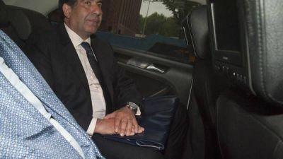 Denuncian que Ricardo Echegaray eliminó documentos