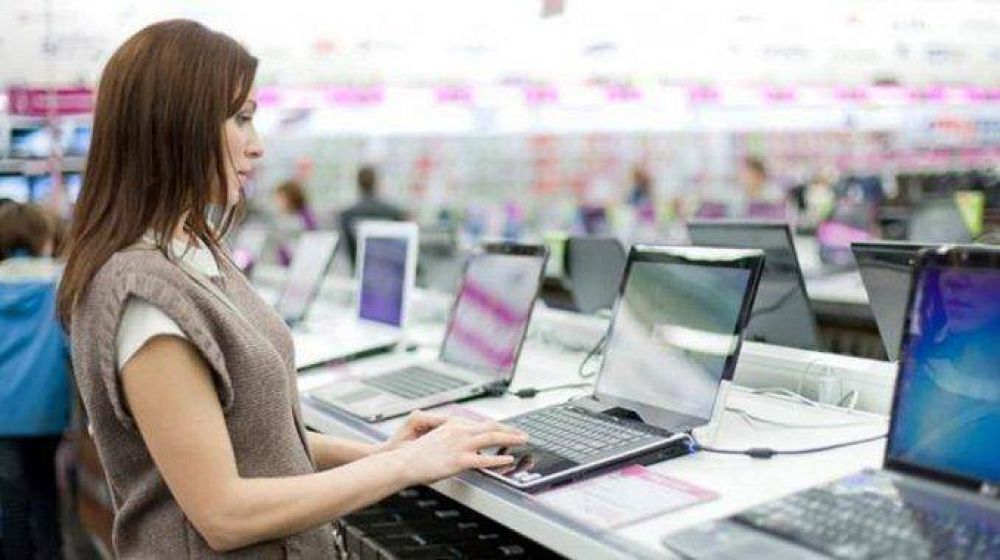 Bajaron los precios de las notebooks por el derrumbe en las ventas