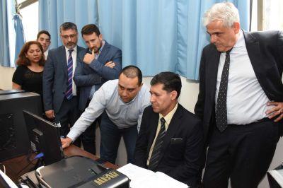 Sergio Casas en la inauguración del servicio de digitalización
