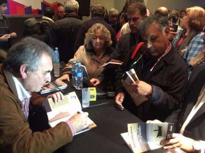 """Schmid presentará su libro """"El mensaje del pescador"""" en CGT"""
