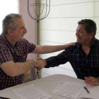 El gobierno provincial y UOCRA firmaron convenio para capacitación en energías renovables