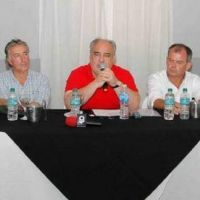 Colombi firmó convenios millonarios para Esquina