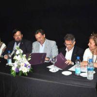 Educación y la Facultad de Ciencias Económicas, Jurídicas y Sociales sellaron un acuerdo de cooperación