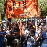 Municipales pararán el jueves en reclamo a aumento de sueldo