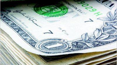 Por temor a la AFIP, ya pagan más de $ 17 por dólar para traer divisas al país