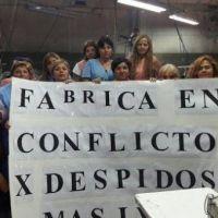 Despidos masivos y toma de una firma textil