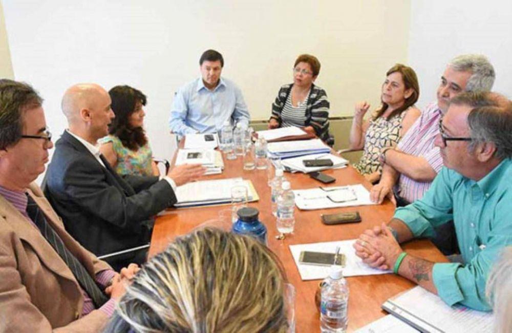 Aseguran que hay 34 mil personas esperando por una vivienda en Chubut