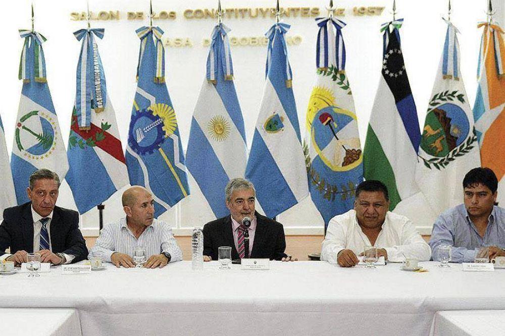Cumbre petrolera: acordaron priorizar el diálogo con el Gobierno nacional y ya se fijaron reuniones para la semana próxima