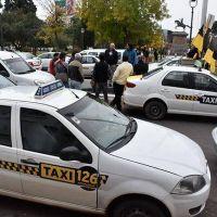 Taxis piden un aumento de más del 15% en la tarifa