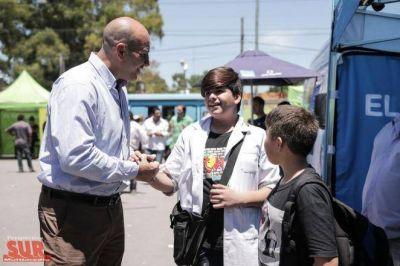 Molina entregó documentos de identidad en San Francisco Solano