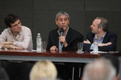 "Ferraresi presentó el programa municipal ""Avellaneda Transparente"""