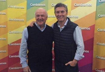 Niembro busca volver a la política con reuniones en el Conurbano