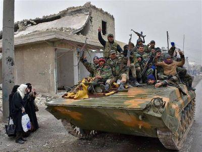 El régimen sirio acelera la ofensiva para poner fin a la crucial batalla de Aleppo