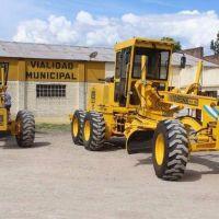 Con la ayuda del banco Nación, la comuna adquirió dos nuevas motoniveladoras