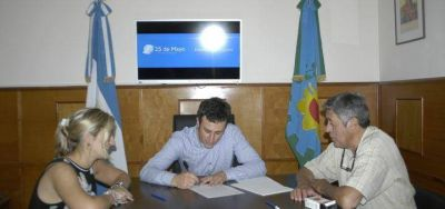 Ralinqueo firmó junto al STM el Estatuto para el Empleado Municipal