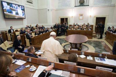 Alcaldes de toda Europa se reúnen en el Vaticano para debatir la situación de los refugiados
