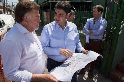 Domingo Amaya recorrió obras en ejecución en Lanús y Vicente López
