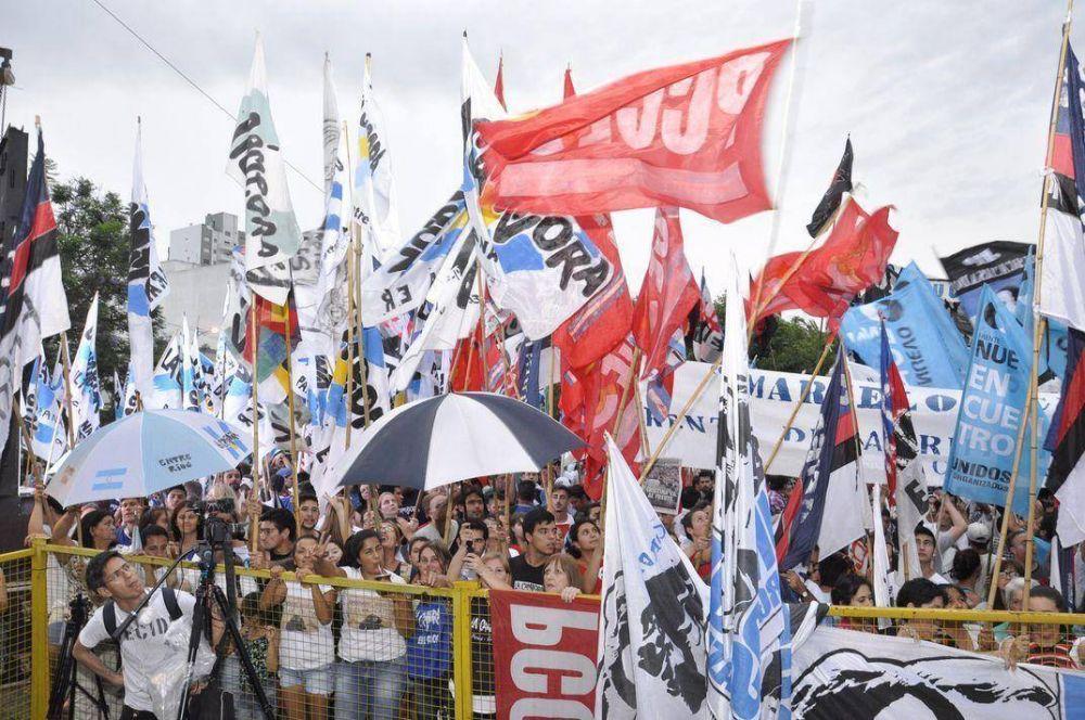 En Paraná, Máximo Kirchner convocó a la unidad y le pegó al Gobierno nacional