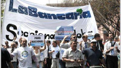 Los bancarios arrancan una semana de protestas por el bono de fin de año