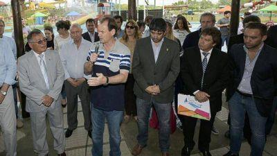 Bordet quiere que Macri mantenga los feriados puente