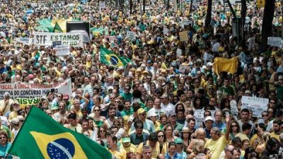 Marchas en varias ciudades de Brasil contra la corrupción