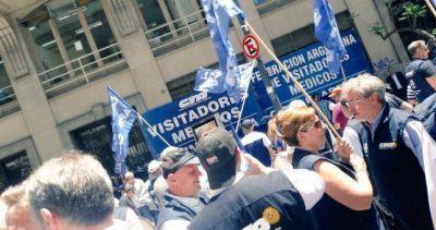 Visitadores médicos denuncian que en la Ciudad se blanqueó la coima de los laboratorios