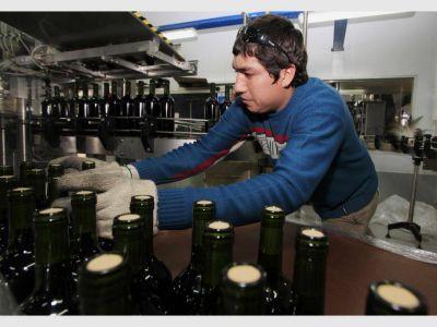 Viñateros se quejan por la veda a la publicidad del vino