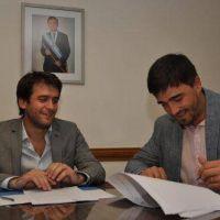 Galli firmó convenios para obras en caminos rurales por cuatro millones de pesos