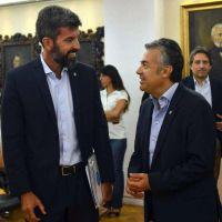Médico de la fiscal viajera emplaza a Cornejo y Gullé