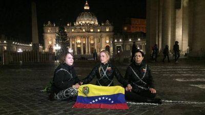 El chavismo ataca al Vaticano, que pidió que cumpla con la palabra en la mesa de diálogo