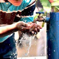 """Quieren declarar en """"emergencia"""" al servicio de agua potable en La Plata"""