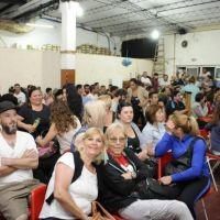 Los trabajadores municipales definieron, en asamblea, mantener la medida de fuerza