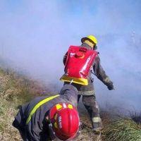 Sofocaron incendio de pastizales en el sur