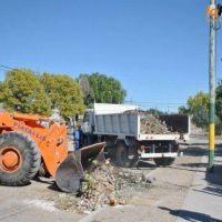 e traslada el operativo de limpieza al barrio Villa Linch