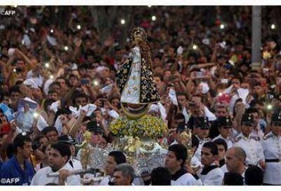 """""""Abrazados a Cristo Jesús"""" los jóvenes paraguayos festejarán a la Virgen de Caacupé"""