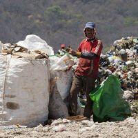 La indefinición sobre el vertedero San Javier preocupa a los cartoneros