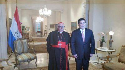 El cardenal Villalba arribó al Paraguay para participar de la fiesta de la Virgen de Caacupé