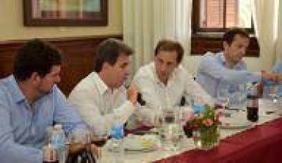 Apuntes políticos platenses: Garro mira fijo el 2017, habrá Defensor(a) y recambios varios