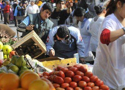 """Impulso parlamentario al Programa """"El Mercado en tu Barrio"""""""