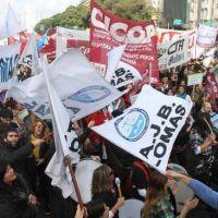 Protesta de trabajadores judiciales cordobeses por incumplimiento de acuerdo salarial