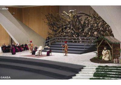 Con la Inmaculada Madre de Dios y de la esperanza cristiana, nuestro corazón sea cuna de Jesús, pide el Papa