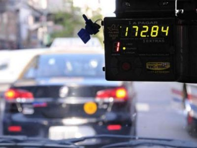 A partir del próximo martes, viajar en taxi y remis será más caro