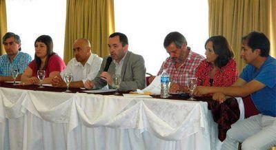 Aduana: Concejales y gremios se expresaron en contra de la denuncia de Abad