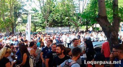 Municipales movilizados y molestos con la postura del municipio